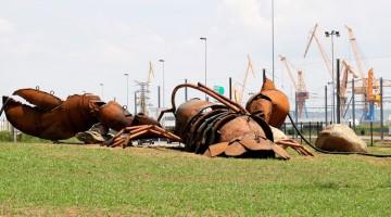 Brest 2016. La longue marche du homard géant.